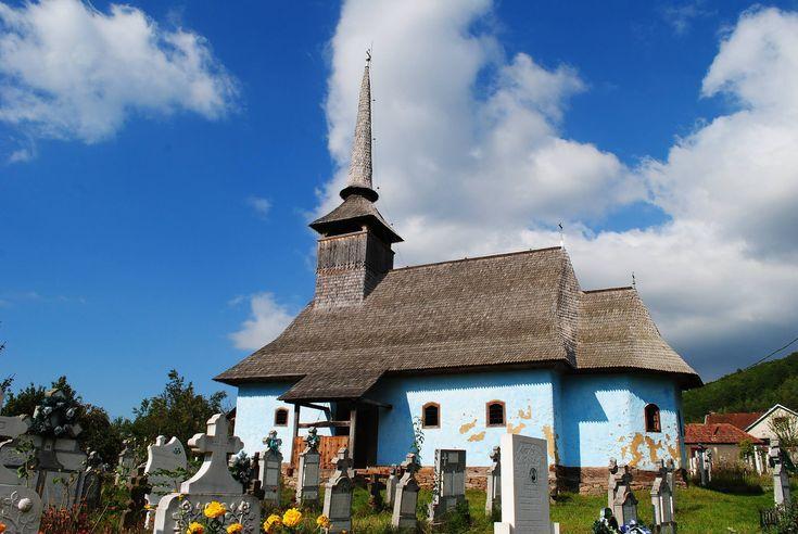 Biserica de lemn din Fânațe | Bihor in imagini