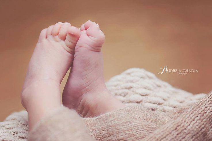 Sedinta foto bebelusi - picioruse New born photography, fotografie nou nascut, sedinta foto bebe, poze bebelusi, fotografie creativa, fotograf Bacau, Andreia Gradin Photography