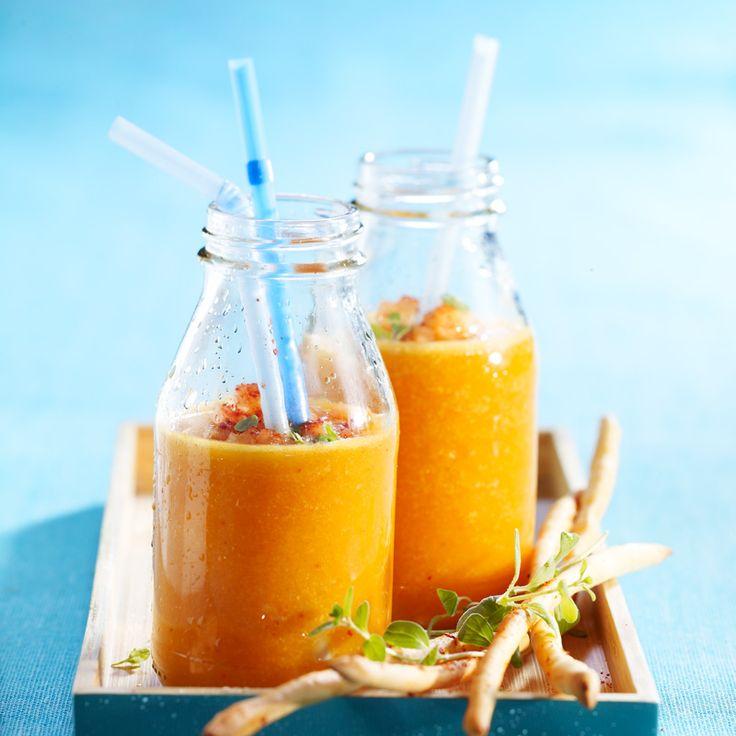 Gaspacho de melon• 1 melon • 1 pêche  • 250 g de tomates cerise jaunes • 250 g de tomates cerise rouges • 2 cuil. à soupe de vinaigre balsamique • Tabasco • sel, poivre
