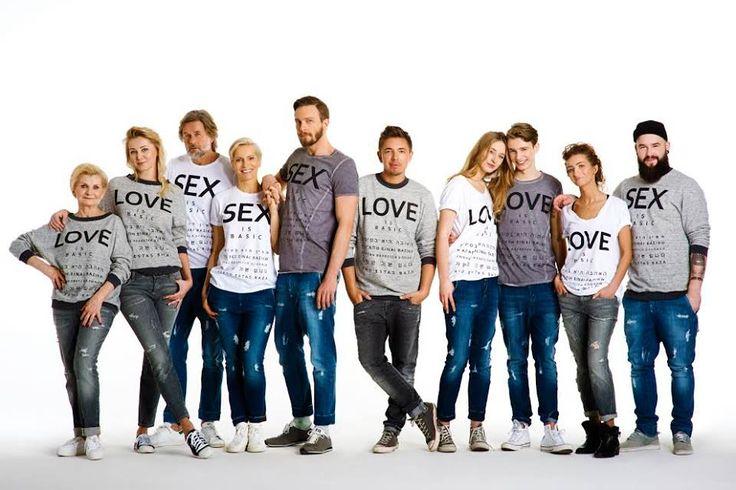 """Walentynki już za chwilę. Wiecie już, co założycie tego dnia na randkę z tą jedyną/tym jedynym? A może by tak powiedzieć """"KOCHAM CIĘ I POŻĄDAM"""" za pomocą bluzy lub T-shirtu? I tu z pomocą przychodzi Wam Łukasz Jemioł.  http://blog.redefinition.pl/lukasz-jemiol-love-sex-na-walentynki/  #love #sex #miłość #seks #kampania #sitarsky #bluzy #tshirty #jemioł #łukaszjemioł #walentynki #valentinesday #loveisbasic #sexisbasic #re #redefinition"""