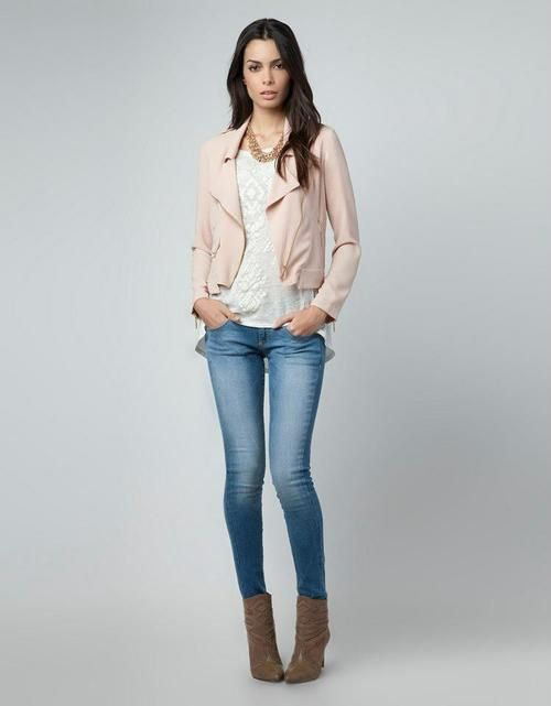 Cute Outfit Ideas of the Week featuring the pink leather jacket. See what else you can style with this jacket. http://momfabulous.com/2014/10/what-to-wear-with-a-pink-leather-jacket/