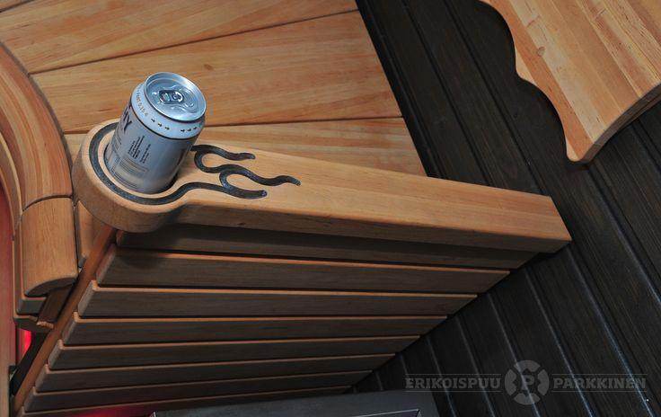Käsinoja tölkkitelineellä ja liekeillä. #sauna #lauteet #erikoispuuparkkinen #saunabenches
