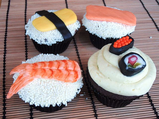 Sushi Cupcakes by Icing Bliss, via Flickr  (super cute!!!)