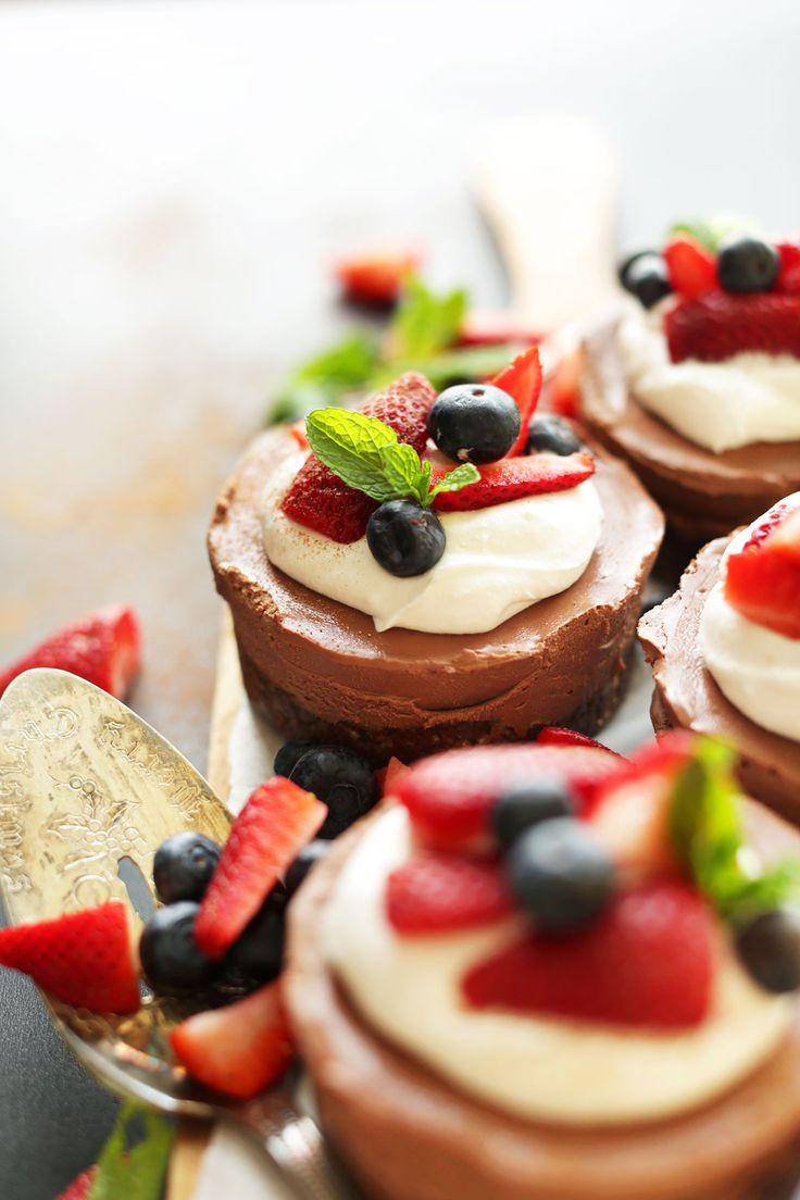 AMAZING Vegan Chocolate Cheesecakes   10 ingredients and NO BAKING required! #vegan #glutenfree
