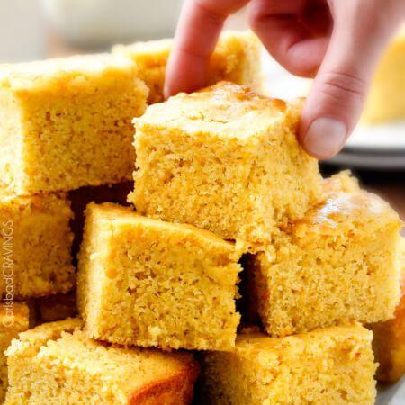 Pan de maíz húmedo dulce