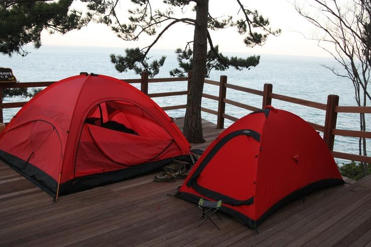 여수 금오도 비렁길 캠핑. 텐트는 오지캠핑 공구 쉘터로