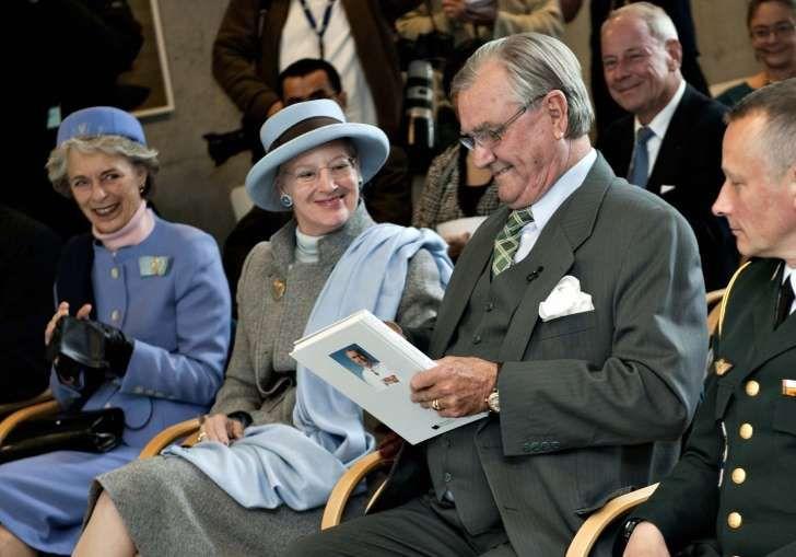 Dronning Margrethes hofdame: Derfor smed hun Henriks pensions-bombe i nytårstalen