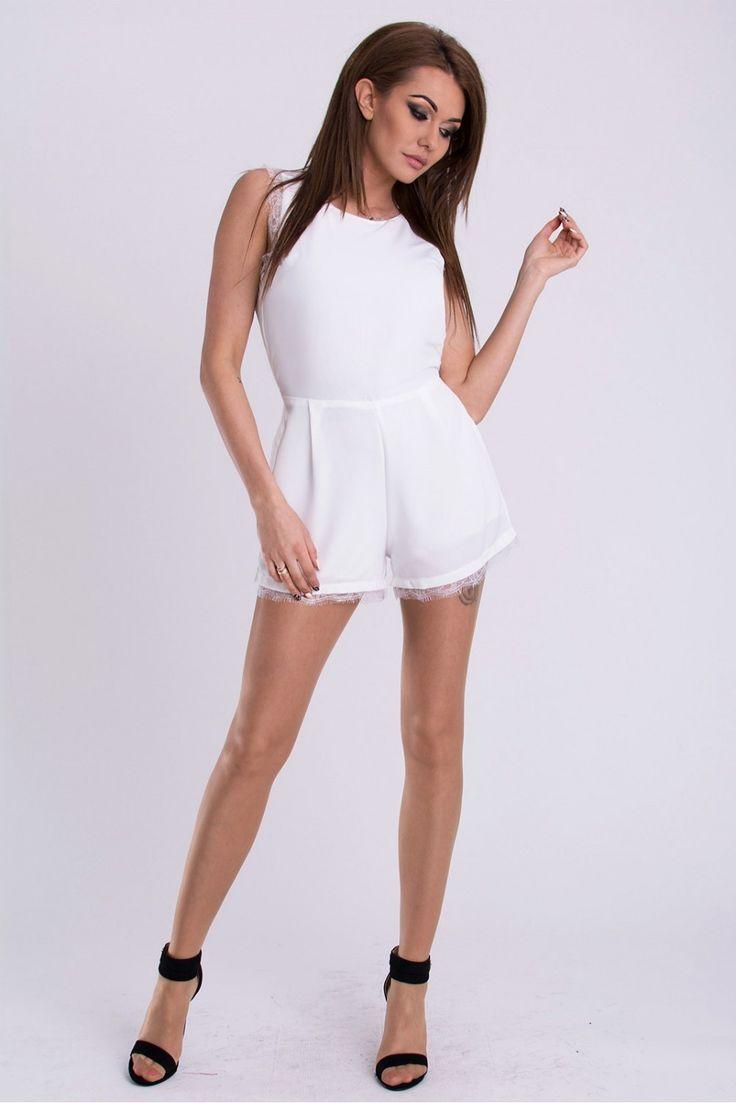 https://www.margery.pl/Kombinezon-Damski-Model-17107-White-p3726  Promocja -25% na wszystko! Zapraszamy :)