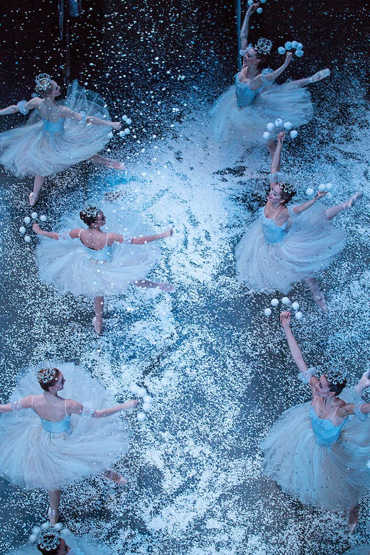 Behind the Scenes of 'The Nutcracker' Ballet - New York City Ballet's Production of 'The Nutcracker' - Elle  Sigh...