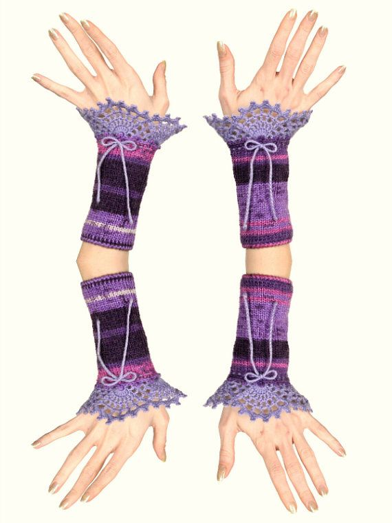 Guanti senza dita viola maglia con decorazione in di Pippiripi