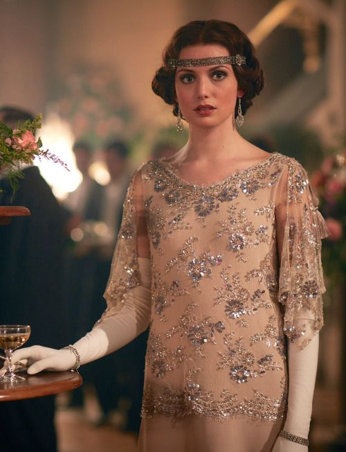 Gaite Jansen as Duchess Tatiana Petrovna in Peaky Blinders (TV Series, 2016). [x]