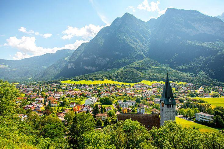 Liechtenstein (160 km²)