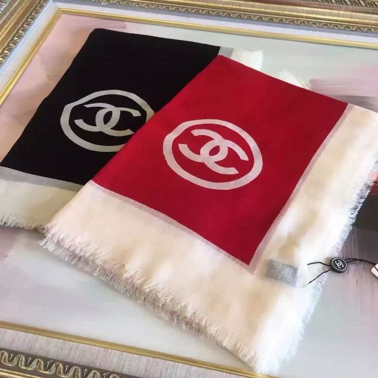 CHANEL scarfs style 1 https://www.ccbellavita.eu/products/chanel-scarfs-style-1