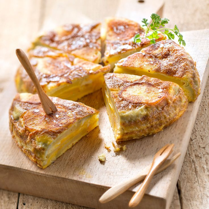 Découvrez la recette Omelette espagnole sur cuisineactuelle.fr.