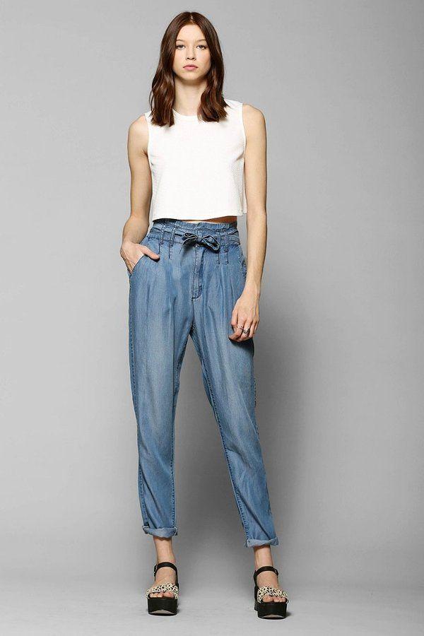 Pin for Later: Formt eure Taille, ohne Sport zu machen BDG Chambray Paper-Bag Waist Hosen BDG Chambray Paper Bag Trouser Pants ($59)