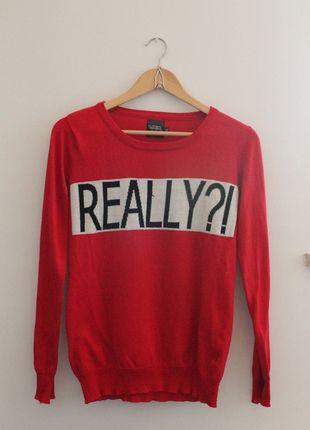 Kup mój przedmiot na #vintedpl http://www.vinted.pl/damska-odziez/bluzy-i-swetry-inne/6099543-czerwony-bardzo-wygodny-sweter-z-napisem