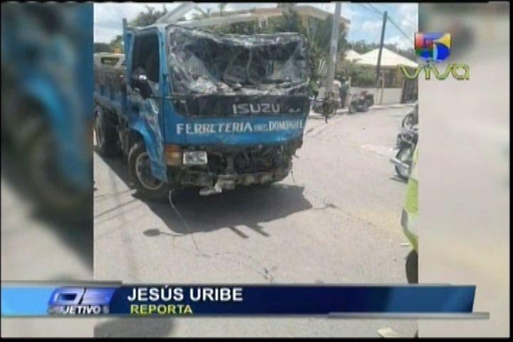 Mueren Dos Jóvenes Brutalmente Atropellados Por Un Camión En Villa González