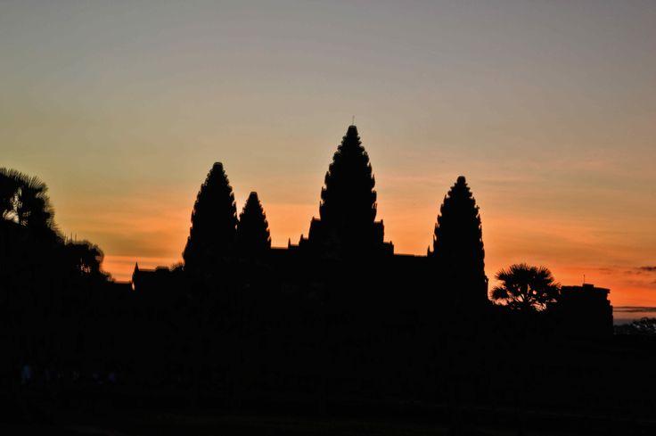 Sunrise in Angkor Wat... #thailand #philocaro #fun