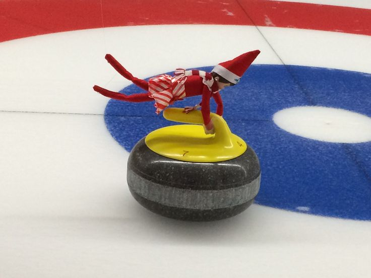 #Elfontheshelf curling