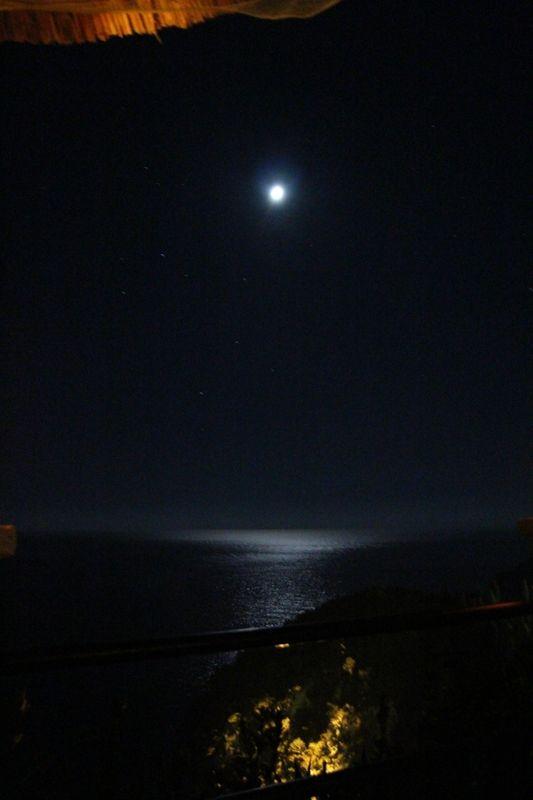 Mond über Paleokastritsa