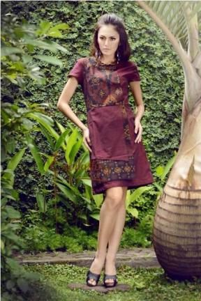 20248 Ramalandy maroon tenun dress