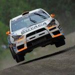 En la prueba nórdica del Campeonato del Mundo de Rallyes, disputada del 31 de julio al 1 de agosto. A los mandos del Mitsubishi Lancer Evo X el piloto Álex Villanueva, contando con Óscar Sánchez como copiloto en la unidad puesta a punto por Calm Competición.