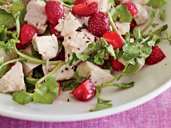Farmers' Market Recipe Finder: Strawberries: Strawberry Chicken Salad http://www.prevention.com/food/healthy-recipes/farmers-market-recipe-finder-strawberries?s=3&?utm_source=zergnet.com&utm_medium=referral&utm_campaign=zergnet_167675