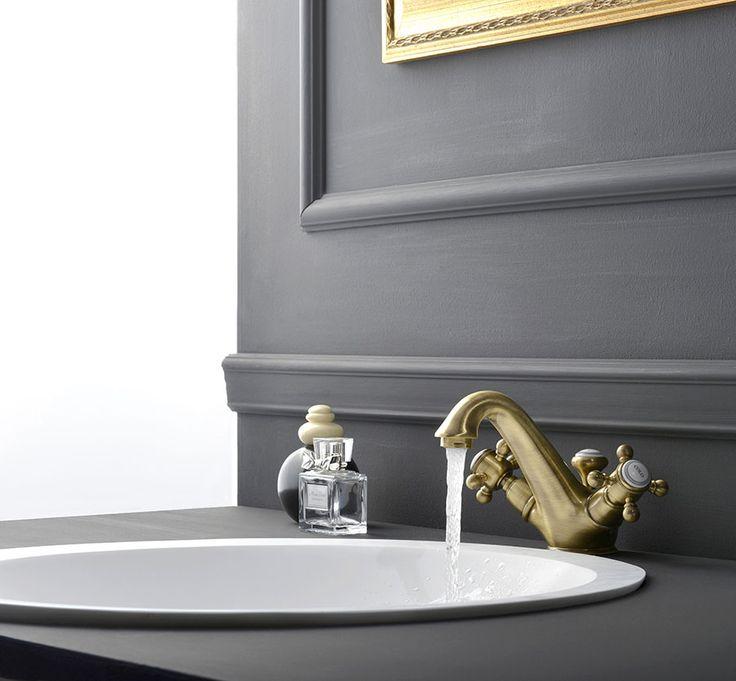 Umyvadlová vodovodní baterie LONDON v bronzovém provedení. Více informací o této sérii najdete na http://eshop.sapho.cz/qx!B0306 .