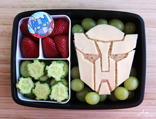 Bento box art ideas: Making this transformers sandwich is super easy with the tutorial from Alpha Mom. My boys will freak for this! - S