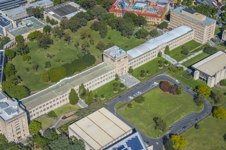 Aerial view of UQ St Lucia campus, with Forgan Smith Building, forecourt and Great Court   Copyright 2013 The University of Queensland, all rights reserved