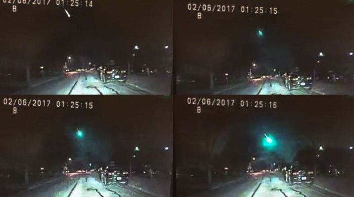 Bright Green Meteor Blazes Through The Sky Of Illinois & Wisconsin [Video]