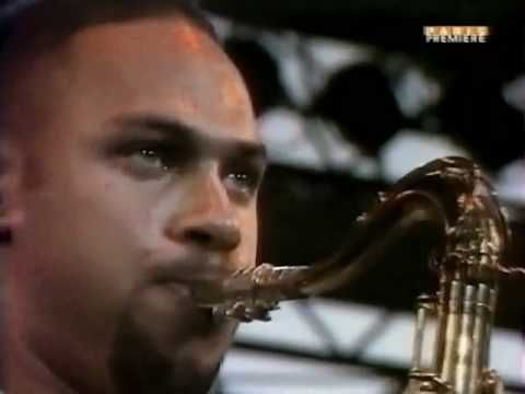 Joshua Redman Quartet - A Night in Tunisia pt.1 - YouTube