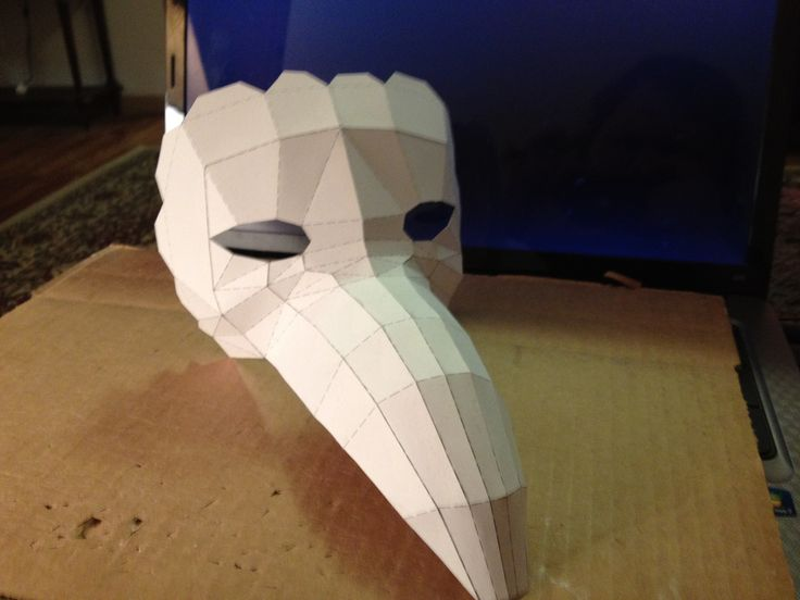 """Bioshock Splicer """"Bird"""" Mask, but could easily double as a Plague Doctor mask, creator unknown. Unfortunately the template for this isn't available any place that I can find. However it may be possible to rebuild the template from the provided pepakura viewer screenshot."""