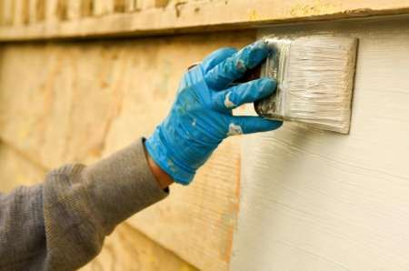 How to Paint the Outside of Your House | DoItYourself.com