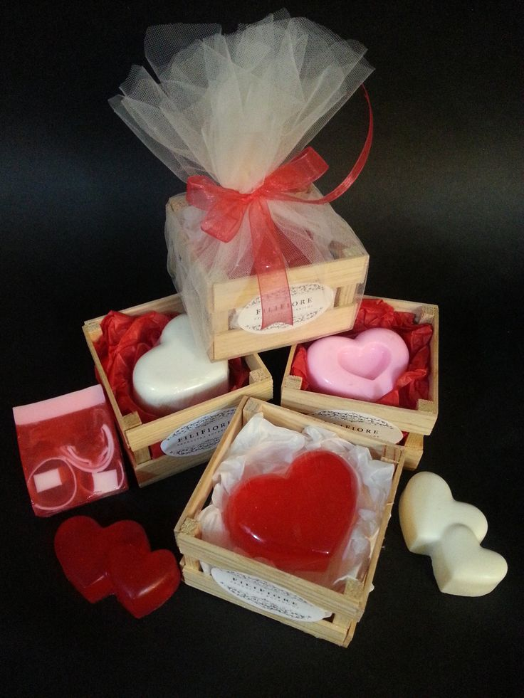 San Valentin soaps o jabones de corazón. 14 de febrero