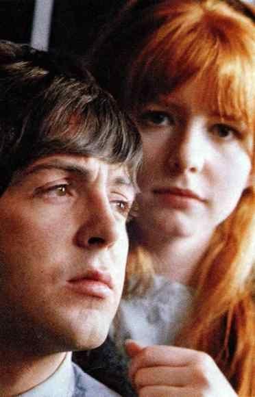 25 декабря 1967 года:   Пол Маккартни и Джейн Эшер объявляют о своей помолвке.