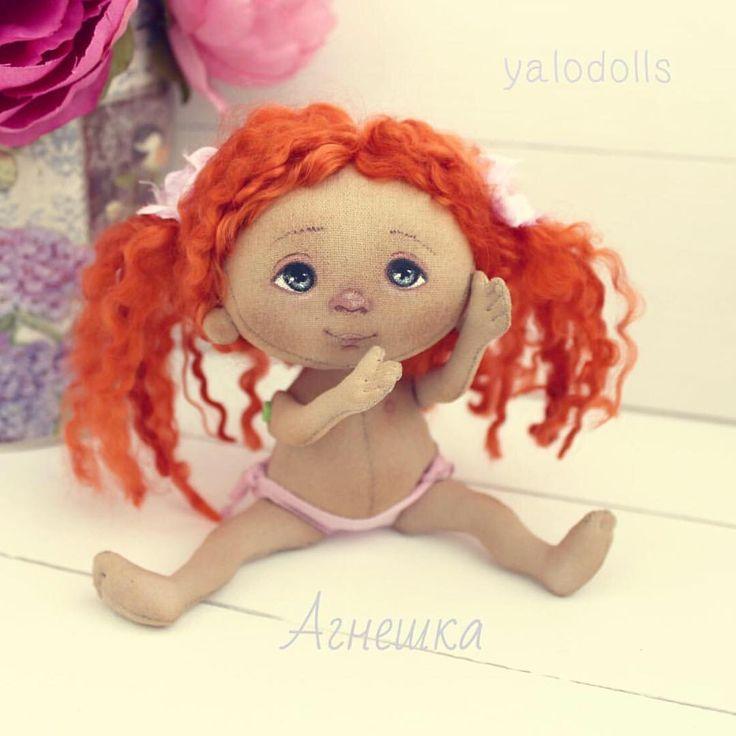 Малышка, первая в новом году! Ростом девчулька 17 см, волосы из шерсти козочки…