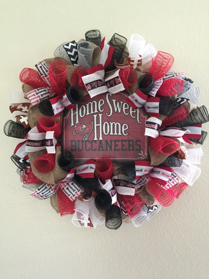 Tampa Bay Buccaneers Wreath, Buccaneers Burlap Wreath, NFL Wreath, Sports Decor by AlwaysLoveTheJourney on Etsy