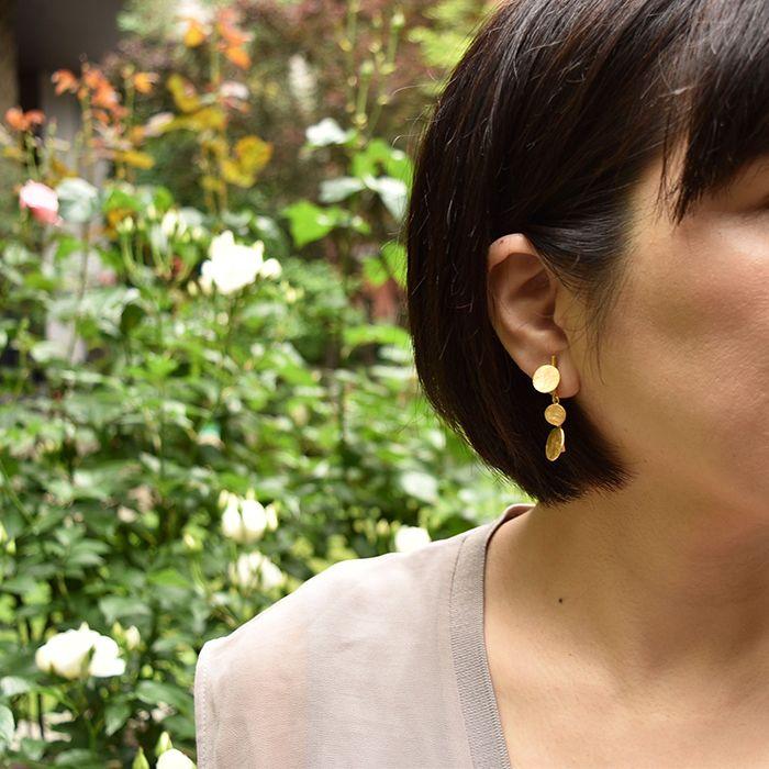 #goldmetal #earrings by #joidart
