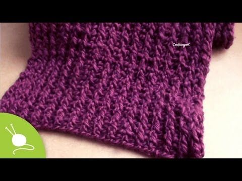 Punto Reforzado en Telar Azteca // Paso a paso - YouTube - this is an interesting variation of the basic figure eight wrap on a rectangular loom - gives a nice texture to the knit fabric
