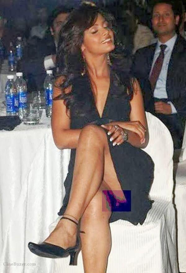 Yana gupta without panties upskirt at charity event 3