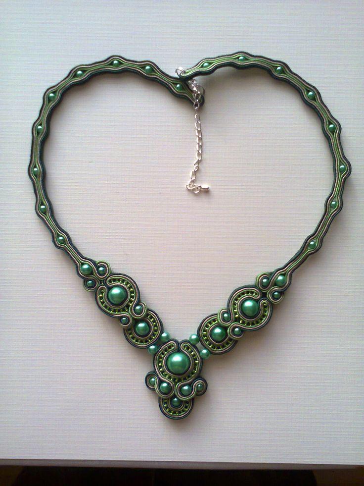 Naszyjnik sutasz - Perły zielone - 80 zł