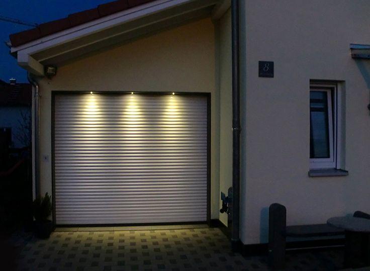 #Aluminium Rolltor by Night. Formschön & elegant.