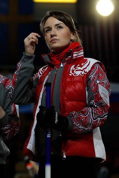 La bella y joven capitana rusa de Curling, Anna Sidorova. (Getty)