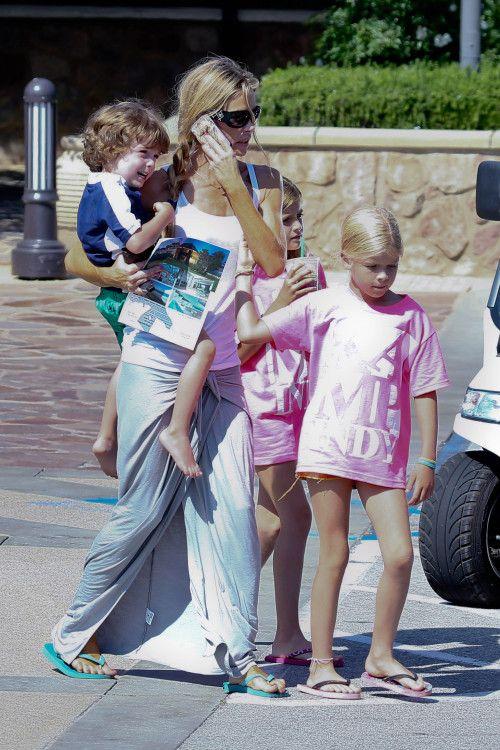 Denise Richards takes the kids shopping in Malibu