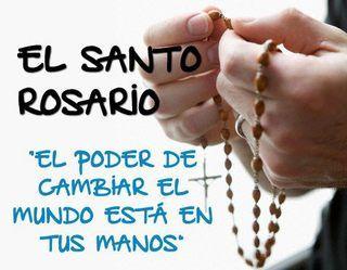 Recen el Santo Rosario.