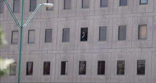 Paralia News- (Breaking News): Ένοπλος κρατά ομήρους στην ιρανική Βουλή