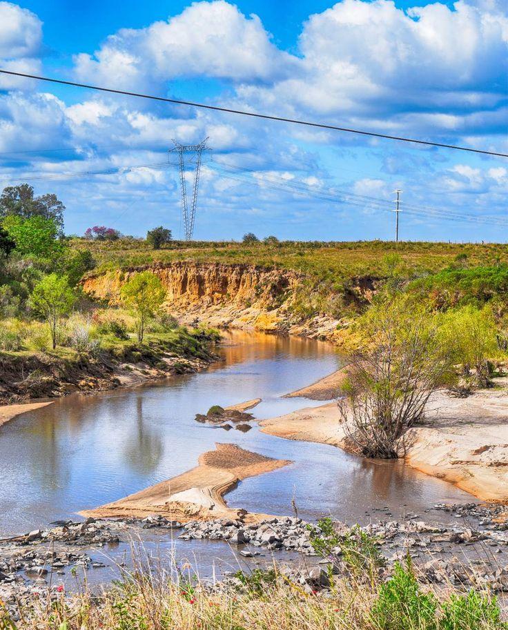 #Arroyo Santa María al norte de la provincia de #Corrientes cerca de Ita #Ibate. Paren un toque si pasan por ahí. Se han visto gliptodontes pastar por la zona pero no les ofrezcan comida. #itaibate #river #argentina#igersargentina #igerschaco #igersresistencia #chaco #resistencia #ceroequis  #picoftheday#natgeo#thephotosociety#mst_photooftheday#razri #argentina_ig #gustavoflores#bestoftheday#picoftheday#instagood #nikon #d3300 #nikond3300
