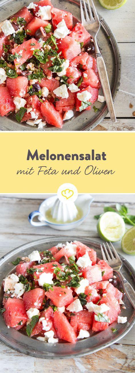 Melonen schmecken nicht nur aus der Hand, sondern auch in deinem Salat - mit Feta, Oliven, Petersilie und Minze besonders lecker.