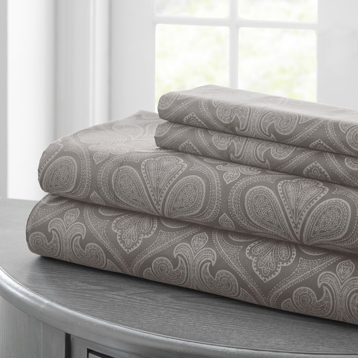 Luxurious and elegant, this classic sheet set will add comfort and sophistication to your home. The set includes one flat sheet, one fitted sheet, and two pillowcases (only one pillowcase is included in twin set).